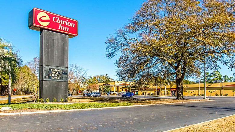 """Clarion Inn Airport Exterior. Images powered by <a href=""""http://web.iceportal.com"""" target=""""_blank"""" rel=""""noopener"""">Ice Portal</a>."""