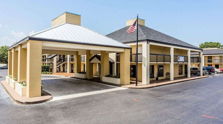 """Quality Inn Mount Pleasant Exterior. Images powered by <a href=""""http://web.iceportal.com"""" target=""""_blank"""" rel=""""noopener"""">Ice Portal</a>."""