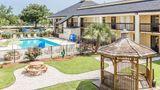Quality Inn Mount Pleasant Pool