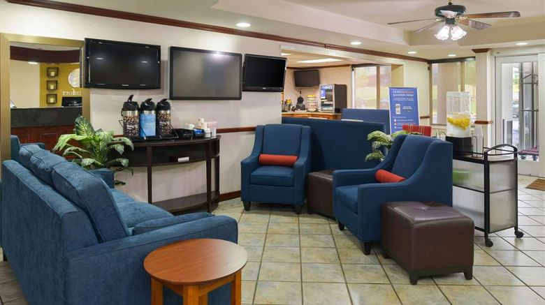 """Comfort Inn Lobby. Images powered by <a href=""""http://web.iceportal.com"""" target=""""_blank"""" rel=""""noopener"""">Ice Portal</a>."""