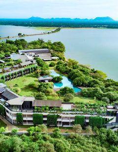 DoubleTree by Hilton Weerawila Rajawarna