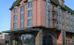 SFO Hotel & Suites