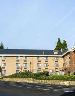 Clarion Inn & Suites Clackamas