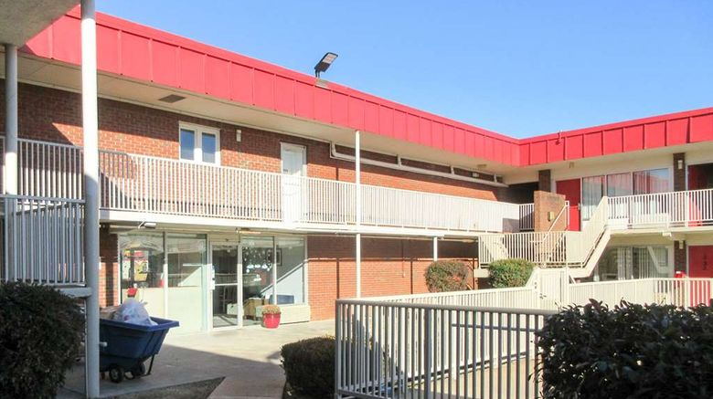 """Econo Lodge Paducah Exterior. Images powered by <a href=""""http://web.iceportal.com"""" target=""""_blank"""" rel=""""noopener"""">Ice Portal</a>."""