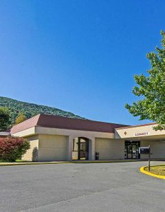 Econo Lodge Inn & Suites Norton