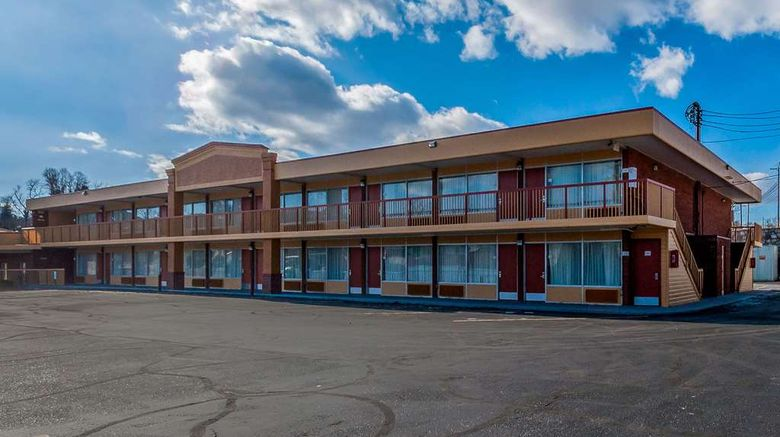 """Quality Inn Luray Exterior. Images powered by <a href=""""http://web.iceportal.com"""" target=""""_blank"""" rel=""""noopener"""">Ice Portal</a>."""