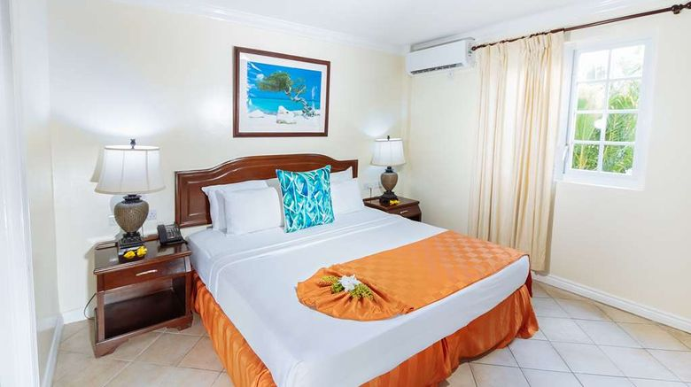 """Bay Gardens Hotel Room. Images powered by <a href=""""http://web.iceportal.com"""" target=""""_blank"""" rel=""""noopener"""">Ice Portal</a>."""