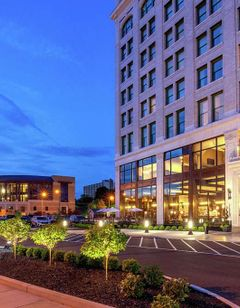DoubleTree by Hilton Downtown