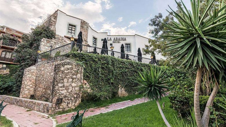 """La Abadia Tradicional Exterior. Images powered by <a href=""""http://web.iceportal.com"""" target=""""_blank"""" rel=""""noopener"""">Ice Portal</a>."""