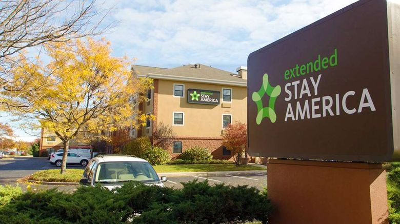 """Extended Stay America Stes Bethpage Exterior. Images powered by <a href=""""http://web.iceportal.com"""" target=""""_blank"""" rel=""""noopener"""">Ice Portal</a>."""