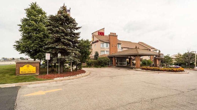 """Monte Carlo Inn Oakville Suites Suite. Images powered by <a href=""""http://web.iceportal.com"""" target=""""_blank"""" rel=""""noopener"""">Ice Portal</a>."""
