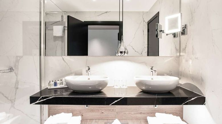 """<b>Radisson Collection Grand Place Brussels Suite</b>. Images powered by <a href=""""https://iceportal.shijigroup.com/"""" title=""""IcePortal"""" target=""""_blank"""">IcePortal</a>."""
