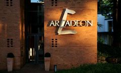 Arcadeon Hotel