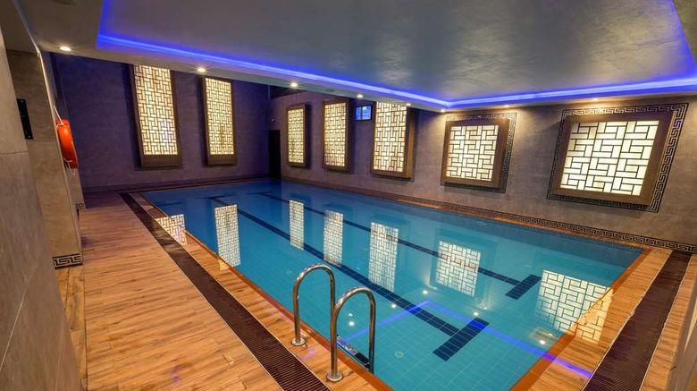 "<b>Radisson Blu Hotel Diyarbakir Pool</b>. Images powered by <a href=""https://iceportal.shijigroup.com/"" title=""IcePortal"" target=""_blank"">IcePortal</a>."