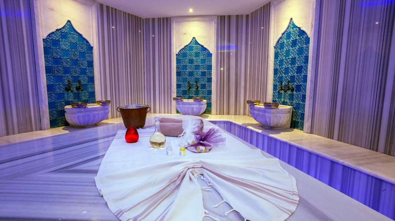 "<b>Radisson Blu Hotel Diyarbakir Spa</b>. Images powered by <a href=""https://iceportal.shijigroup.com/"" title=""IcePortal"" target=""_blank"">IcePortal</a>."