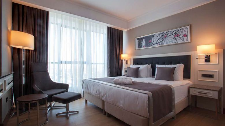 """<b>Radisson Blu Hotel Diyarbakir Suite</b>. Images powered by <a href=""""https://iceportal.shijigroup.com/"""" title=""""IcePortal"""" target=""""_blank"""">IcePortal</a>."""