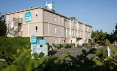 P'tit Dej-Hotel Orleans La Chapelle