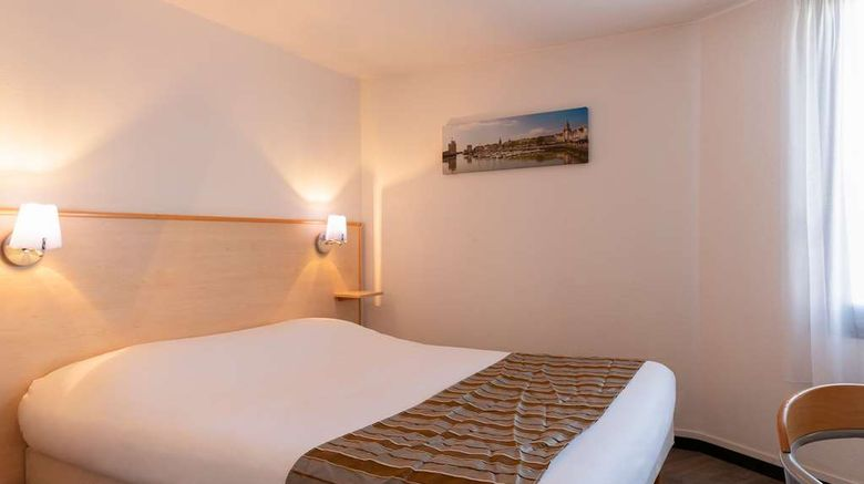 """<b>Hotel The Originals Le Rochelle East Room</b>. Images powered by <a href=""""https://iceportal.shijigroup.com/"""" title=""""IcePortal"""" target=""""_blank"""">IcePortal</a>."""