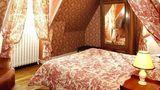 Chateau de l'Aubriere Room