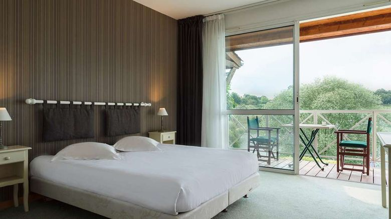 """<b>Logis Hotel Les Jardins du Lac Room</b>. Images powered by <a href=""""https://iceportal.shijigroup.com/"""" title=""""IcePortal"""" target=""""_blank"""">IcePortal</a>."""