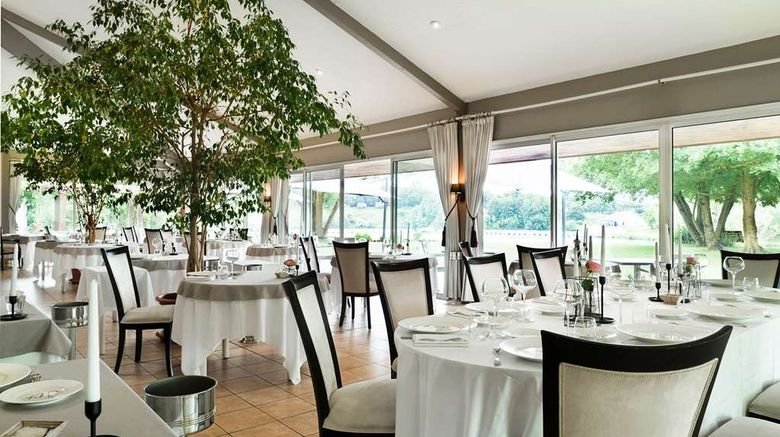 """<b>Logis Hotel Les Jardins du Lac Restaurant</b>. Images powered by <a href=""""https://iceportal.shijigroup.com/"""" title=""""IcePortal"""" target=""""_blank"""">IcePortal</a>."""