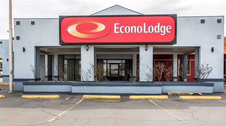 """Econo Lodge Durant Exterior. Images powered by <a href=""""http://web.iceportal.com"""" target=""""_blank"""" rel=""""noopener"""">Ice Portal</a>."""
