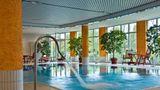 Ramada by Wyndham Weimar Pool