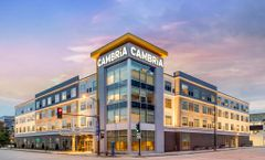 Cambria Hotel Milwaukee Downtown
