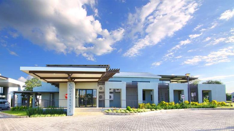 """Travelodge Kasane Exterior. Images powered by <a href=""""http://web.iceportal.com"""" target=""""_blank"""" rel=""""noopener"""">Ice Portal</a>."""