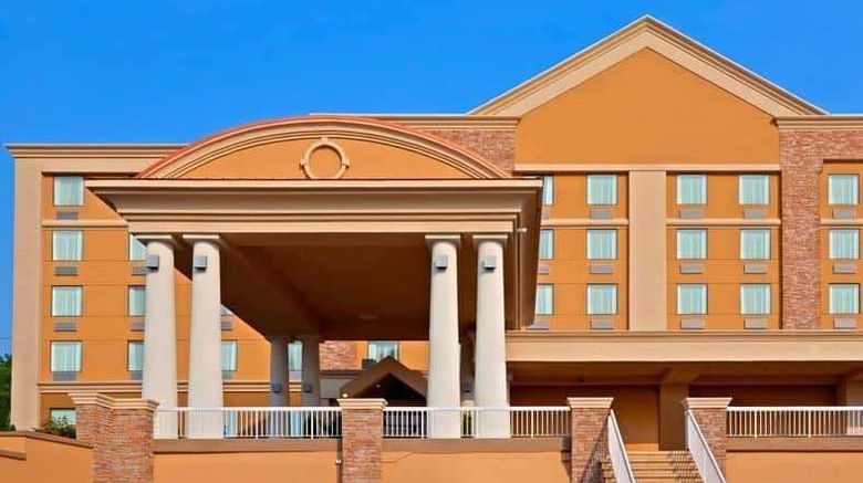 """Days Hotel by Wyndham North Bergen Exterior. Images powered by <a href=""""http://web.iceportal.com"""" target=""""_blank"""" rel=""""noopener"""">Ice Portal</a>."""