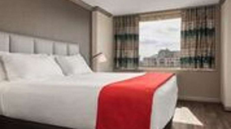 """The River Inn Room. Images powered by <a href=""""http://web.iceportal.com"""" target=""""_blank"""" rel=""""noopener"""">Ice Portal</a>."""