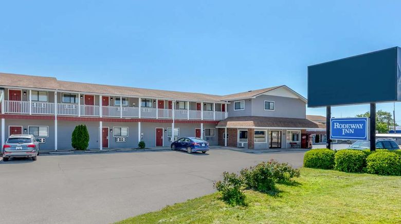 """Rodeway Inn St Robert Exterior. Images powered by <a href=""""http://web.iceportal.com"""" target=""""_blank"""" rel=""""noopener"""">Ice Portal</a>."""