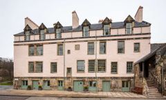 Cheval Abbey Strand Apartments-Holyrood