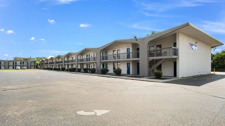 """Motel 6 Lexington, KY - North Exterior. Images powered by <a href=""""http://web.iceportal.com"""" target=""""_blank"""" rel=""""noopener"""">Ice Portal</a>."""