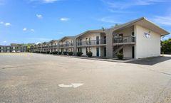 Motel 6 Lexington, KY - North
