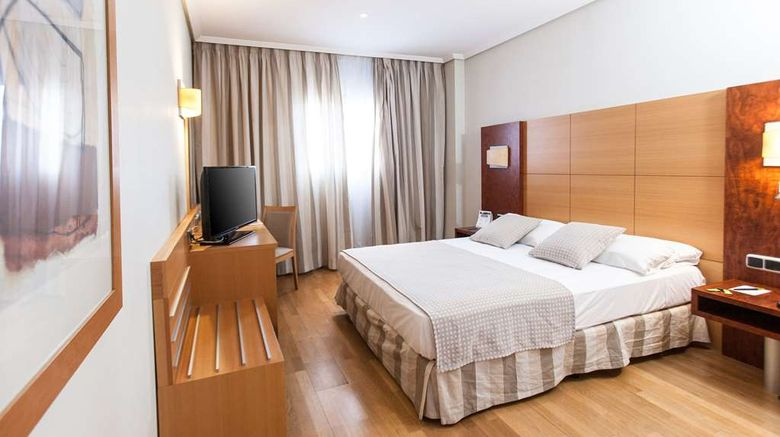 """Gran Fama Hotel Sercotel Room. Images powered by <a href=""""http://web.iceportal.com"""" target=""""_blank"""" rel=""""noopener"""">Ice Portal</a>."""
