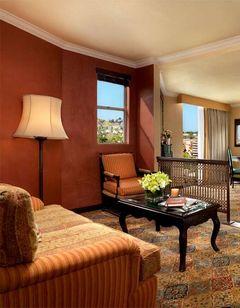 Petit Ermitage Hotel