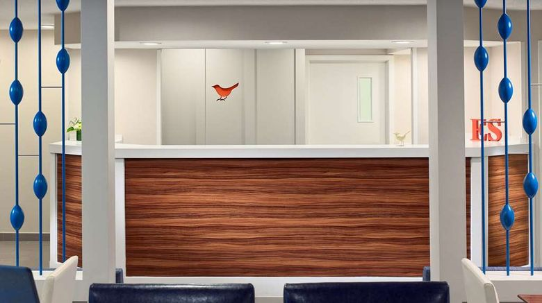 """Sonesta ES Suites Colorado Springs Lobby. Images powered by <a href=""""http://web.iceportal.com"""" target=""""_blank"""" rel=""""noopener"""">Ice Portal</a>."""