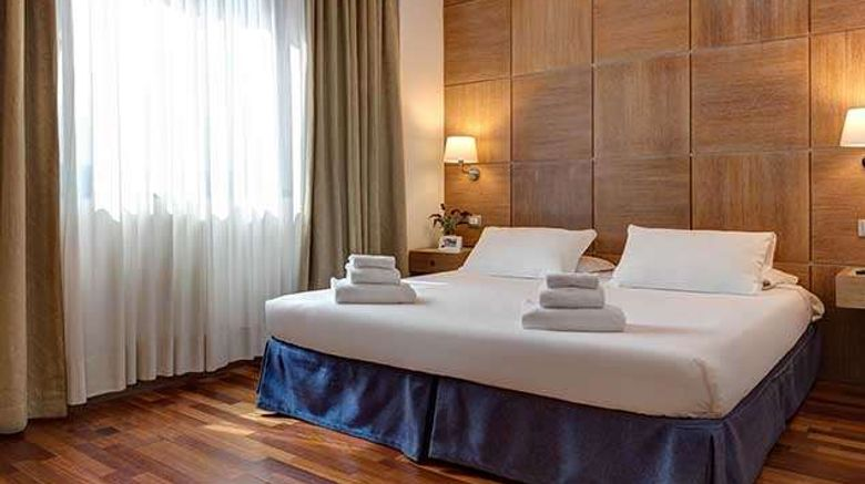 """IH Hotels Firenze Business Room. Images powered by <a href=""""http://web.iceportal.com"""" target=""""_blank"""" rel=""""noopener"""">Ice Portal</a>."""