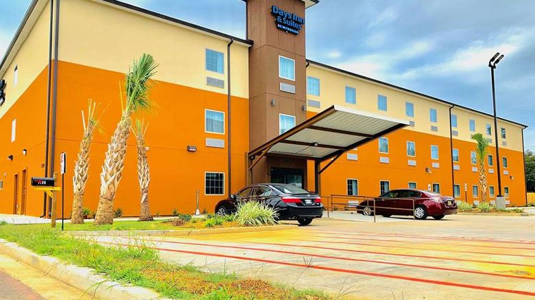 """Days Inn  and  Suites by Wyndham Horn Lake Exterior. Images powered by <a href=""""http://web.iceportal.com"""" target=""""_blank"""" rel=""""noopener"""">Ice Portal</a>."""
