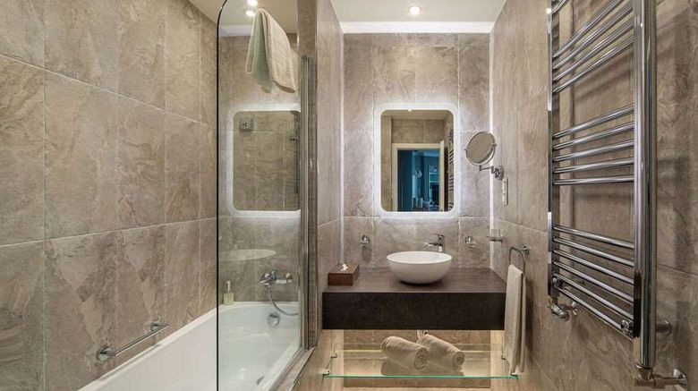 """Mamaison Residence Izabella Budapest Room. Images powered by <a href=""""http://web.iceportal.com"""" target=""""_blank"""" rel=""""noopener"""">Ice Portal</a>."""