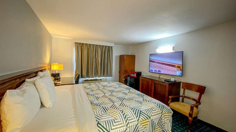 """Motel 6 Atlanta GA Midtown Room. Images powered by <a href=""""http://web.iceportal.com"""" target=""""_blank"""" rel=""""noopener"""">Ice Portal</a>."""