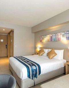 Oakwood Hotel Journeyhub Phuket