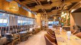 Oakwood Hotel Journeyhub Phuket Restaurant