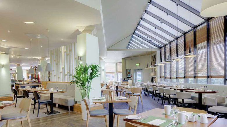"""<b>DoubleTree by Hilton Manchester Airport Restaurant</b>. Images powered by <a href=""""https://iceportal.shijigroup.com/"""" title=""""IcePortal"""" target=""""_blank"""">IcePortal</a>."""