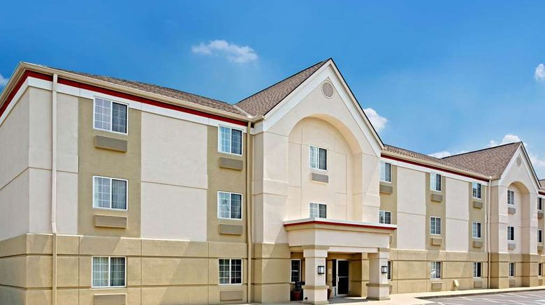 """MainStay Suites Cincinnati Blue Ash Exterior. Images powered by <a href=""""http://web.iceportal.com"""" target=""""_blank"""" rel=""""noopener"""">Ice Portal</a>."""