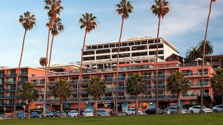 """La Jolla Cove Suites Exterior. Images powered by <a href=""""http://web.iceportal.com"""" target=""""_blank"""" rel=""""noopener"""">Ice Portal</a>."""