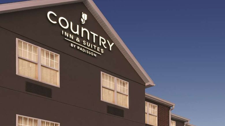 """Country Inn  and  Suites Dubuque Exterior. Images powered by <a href=""""http://web.iceportal.com"""" target=""""_blank"""" rel=""""noopener"""">Ice Portal</a>."""