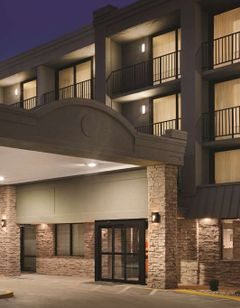 Country Inn & Suites Erlanger, KY