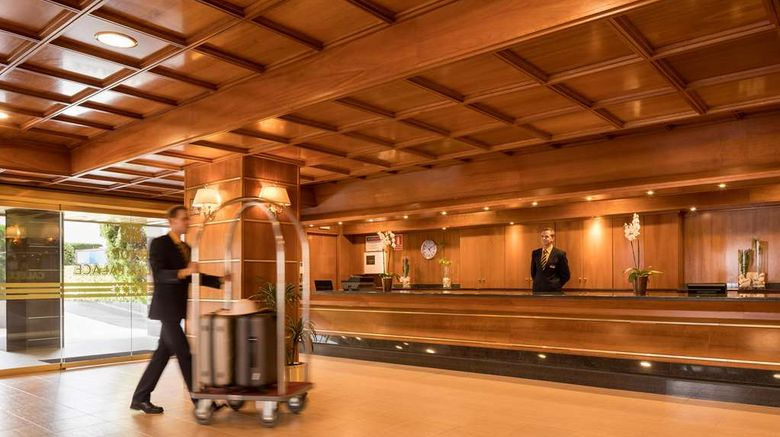 """H-TOP Calella Palace Lobby. Images powered by <a href=""""http://web.iceportal.com"""" target=""""_blank"""" rel=""""noopener"""">Ice Portal</a>."""